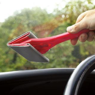 Produs de curatare a ferestrelor interioare din masina