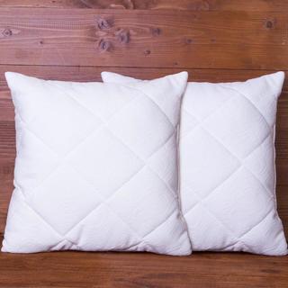 Pernute matlasate cu asternut  40 x 40 cm 2 buc