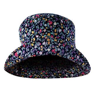 Pălărie de damă cu floricele